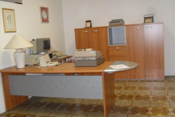 arredo-per-ufficio-1-20180729-143189915950EA9DFB-EE07-E9EC-6F35-42531B999F63.jpg
