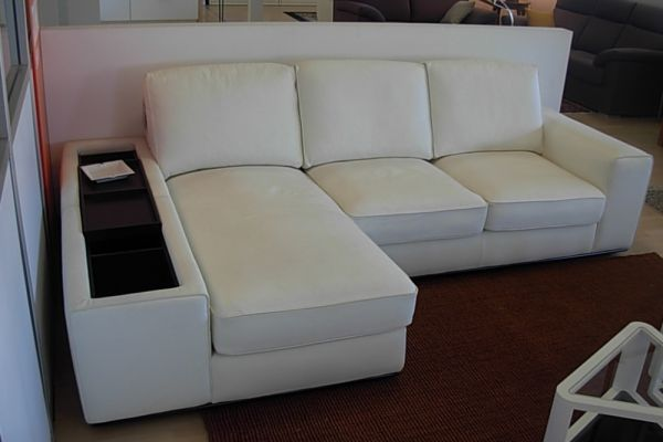 divano-diomo-sofas-in-pelle-2-20180727-100151330289B93A91-2A69-448D-50A5-E3FBCFE77D3A.jpg